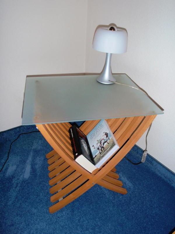 2 nachttische holz glas in f rstenfeldbruck schr nke. Black Bedroom Furniture Sets. Home Design Ideas