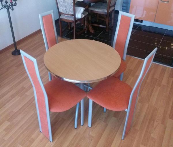 4 stule mit kleiner esstisch runder tisch in leipzig k chenm bel schr nke kaufen und. Black Bedroom Furniture Sets. Home Design Ideas
