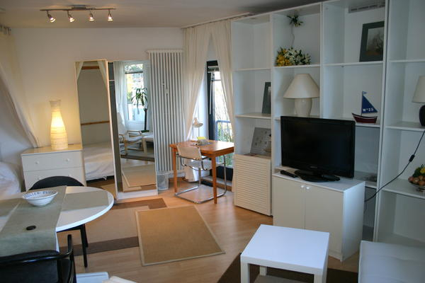 ab 1 6 2015 wieder frei kompl m blierte 1 zimmer komfortwohnung ca 41 qm hamburg. Black Bedroom Furniture Sets. Home Design Ideas