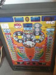 Achtung! Geldspielautomat