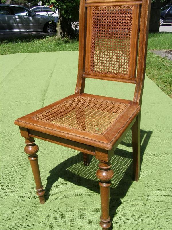 antiker stuhl aus dem jahr 1700 bis 1760 sitz und. Black Bedroom Furniture Sets. Home Design Ideas