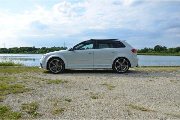 audi rs3 sportback in suzukagrau vollausstattung in berlin. Black Bedroom Furniture Sets. Home Design Ideas
