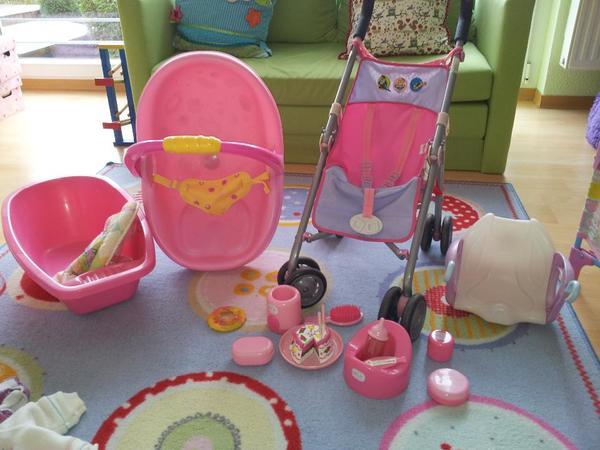 wir verkaufen folgende zubeh rteile von baby born himmelbett reisebett tragetasche maxi cosi. Black Bedroom Furniture Sets. Home Design Ideas
