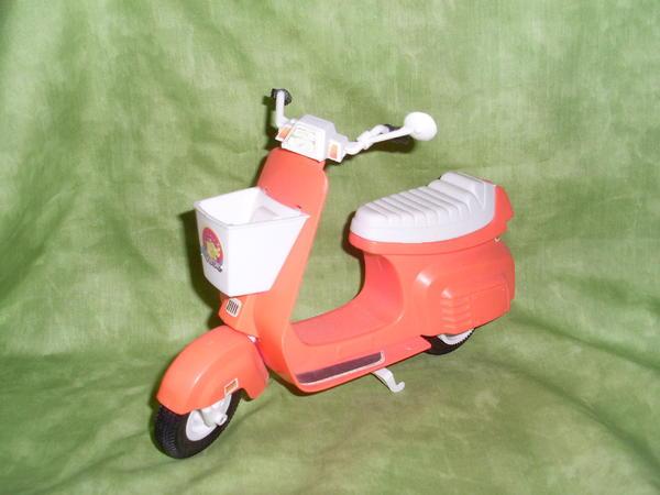barbie vespa motorroller in m nchen puppen kaufen und. Black Bedroom Furniture Sets. Home Design Ideas