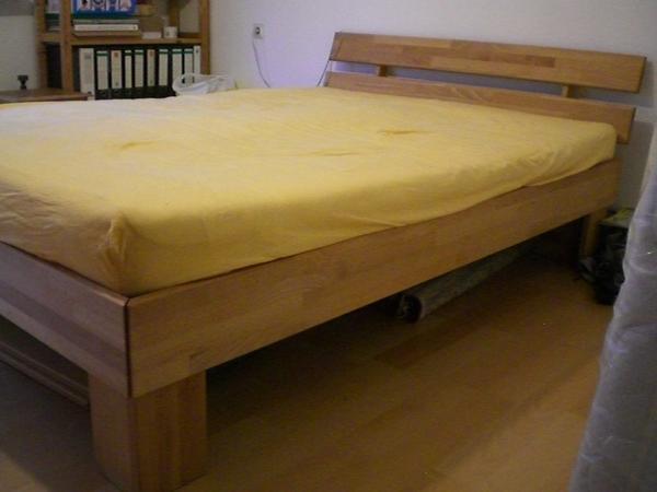 bett buche massiv 140x200 in wernau betten kaufen und verkaufen ber private kleinanzeigen. Black Bedroom Furniture Sets. Home Design Ideas