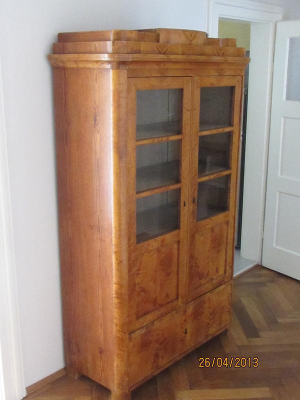 biedermeier b cherschrank vitrine in m nchen stilm bel. Black Bedroom Furniture Sets. Home Design Ideas