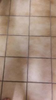 Boden- oder Wandfliese