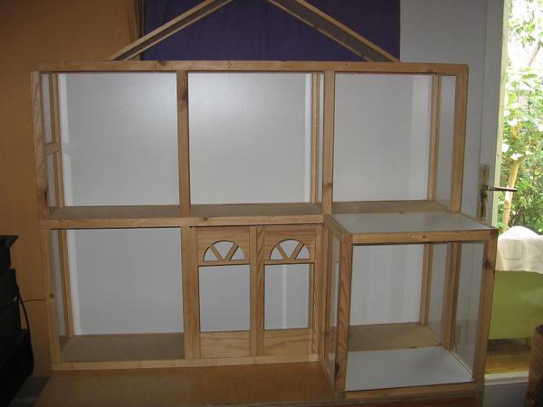 b cherregal holz bzw barbie puppenhaus in esslingen. Black Bedroom Furniture Sets. Home Design Ideas