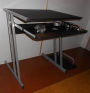 Computer Tisch mit
