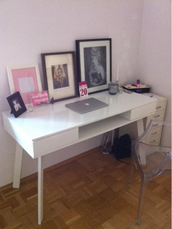 design schreibtisch kaufen gebraucht und g nstig. Black Bedroom Furniture Sets. Home Design Ideas