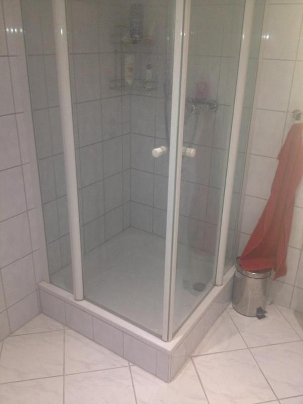 duschkabine von geo und heizk rper f r badezimmer handtuchhalter in hanhofen bad. Black Bedroom Furniture Sets. Home Design Ideas