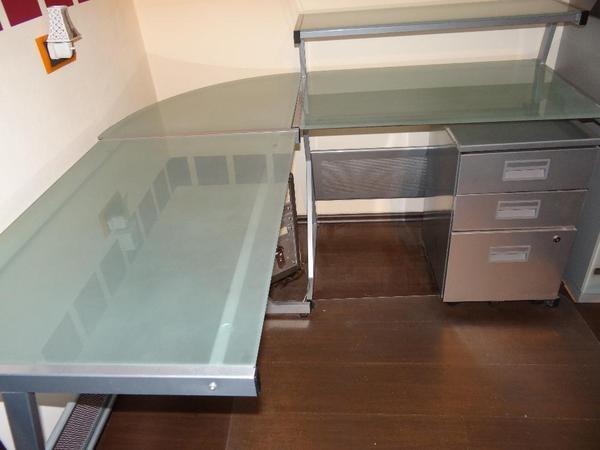 eck schreibtisch milchglas in wuppertal b rom bel. Black Bedroom Furniture Sets. Home Design Ideas