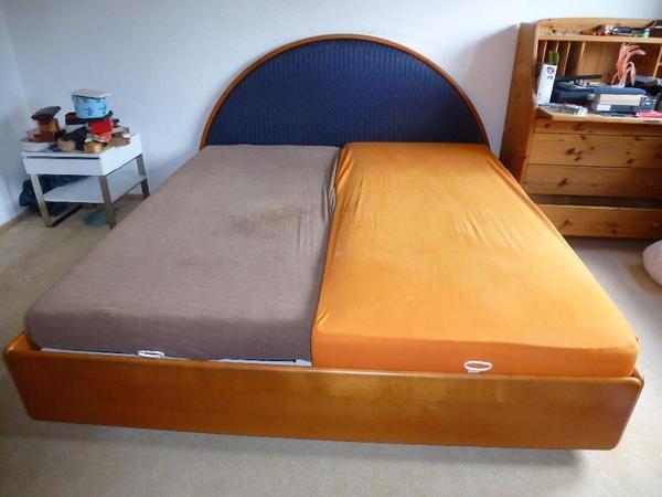 edles bequemes kirschholz doppelbett in karlsruhe betten kaufen und verkaufen ber private. Black Bedroom Furniture Sets. Home Design Ideas