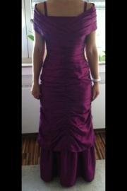 ein schönes Kleid