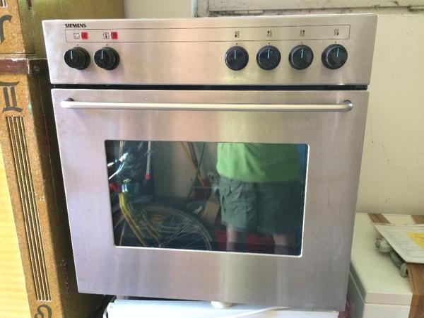 einbau kombinationsherd siemens hg22h50 4 gasflammen e backofen in heidelberg k chenherde. Black Bedroom Furniture Sets. Home Design Ideas