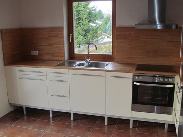 ikea k che gut erhalten ca 8 jahre alt viele schubladen 2 x 60er schubladen schr nke 60er. Black Bedroom Furniture Sets. Home Design Ideas