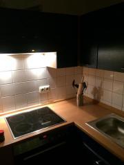 Einbauküche mit Kühlschrank