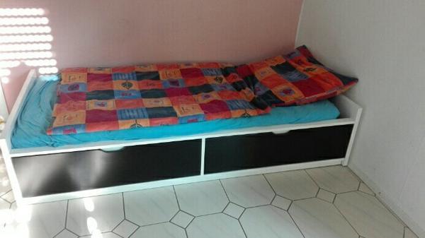 ikea f e kaufen gebraucht und g nstig. Black Bedroom Furniture Sets. Home Design Ideas