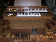 Elktronische Orgel von