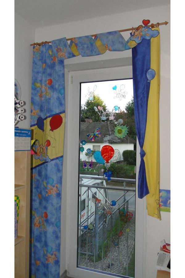exklusive schals f r zwei bodenlange kinderzimmerfenster in cadolzburg gardinen jalousien. Black Bedroom Furniture Sets. Home Design Ideas