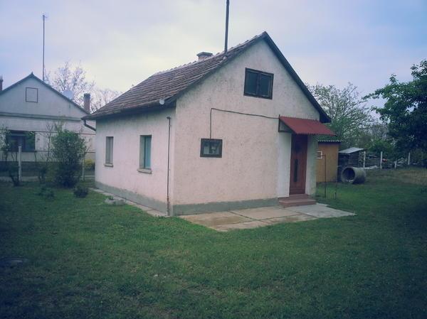 ferienhaus in ungarn cserkesz l in mosbach ferienimmobilien ausland kaufen und verkaufen. Black Bedroom Furniture Sets. Home Design Ideas