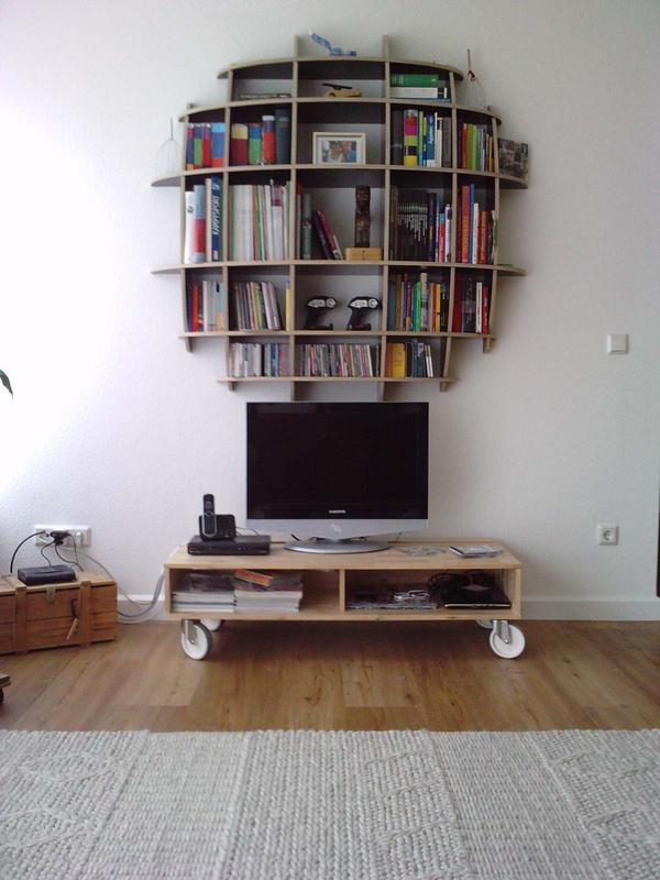 fernsehtisch couchtisch auf rollen wie neu neupreis 89 00 euro farbe birke in mainz. Black Bedroom Furniture Sets. Home Design Ideas