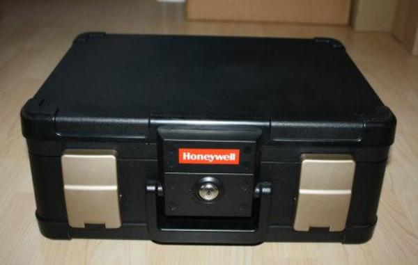 dokumentenbox safe a4 dokumentenkassette tresor honeywell. Black Bedroom Furniture Sets. Home Design Ideas