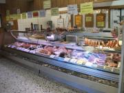 Fleischereiverkaufsstelle in zentraler