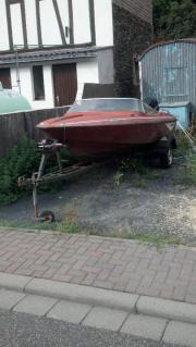 Fletscher Motorboot mit