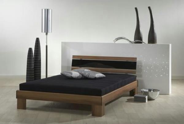 Futonbett 1.40x2.00 in Nünchritz - Betten kaufen und verkaufen über private Kleinanzeigen