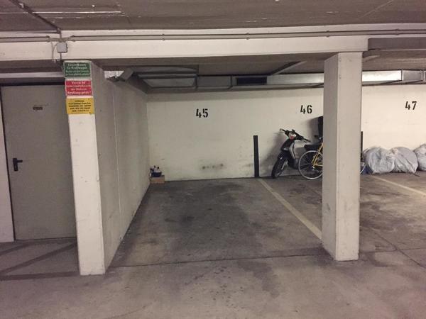 garagen stellplatz zu vermieten ecke schelling luisenstr in m nchen garagen stellpl tze. Black Bedroom Furniture Sets. Home Design Ideas