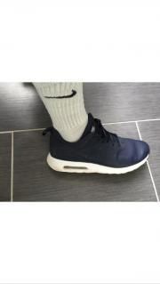 Gay ``le Nike