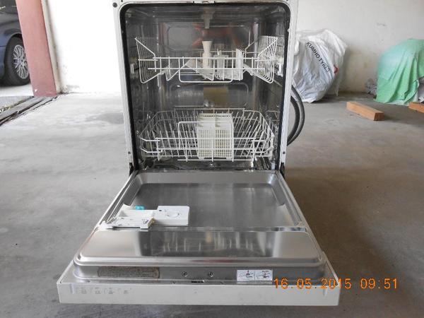Geschirrspülmaschine Küppersbusch in Bempflingen