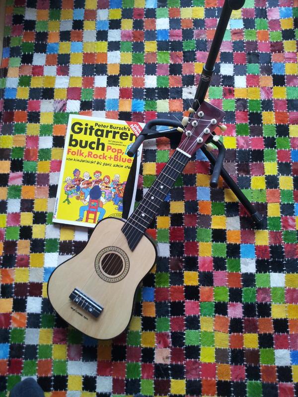 gitarre mit st nder selbstlernkurs buch und cd in. Black Bedroom Furniture Sets. Home Design Ideas