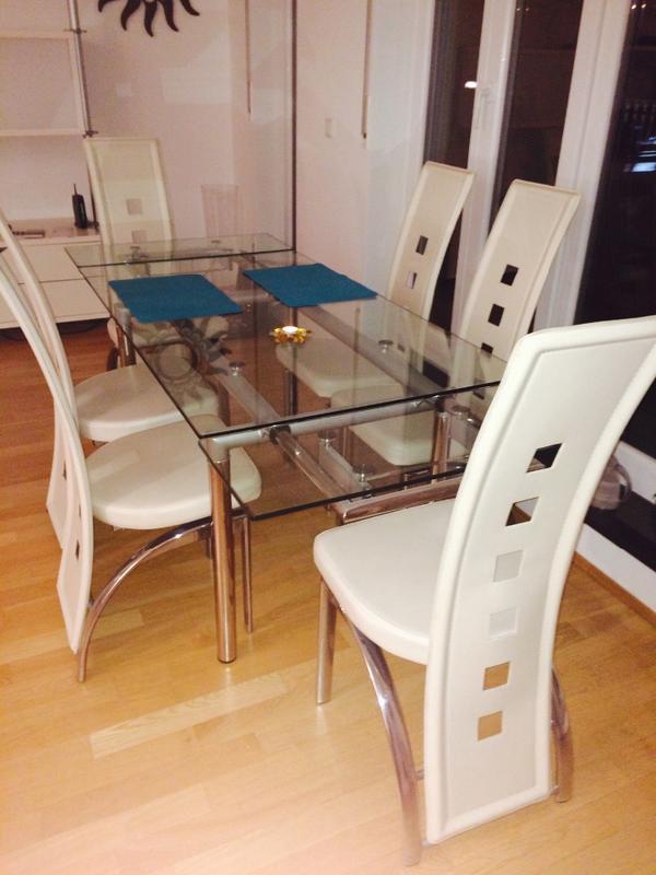 glastisch mit oder ohne 6 weisse st hle 76cm hoch 140 lang unausgezogen ausgezogen 2 m 80. Black Bedroom Furniture Sets. Home Design Ideas