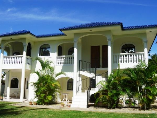 gro e villa am sosua beach mit meerblick in hamburg villen kaufen und verkaufen ber private. Black Bedroom Furniture Sets. Home Design Ideas