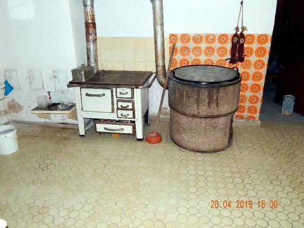haushaltsr umung verschiedene haushaltsgegenst nde g nstig abzugeben wie m bel gefriertruhe. Black Bedroom Furniture Sets. Home Design Ideas