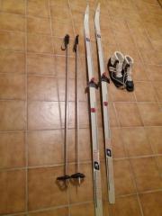Herrenlanglauf Ski mit