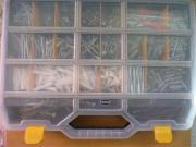 Hochwertige Schrauben/Dübelbox