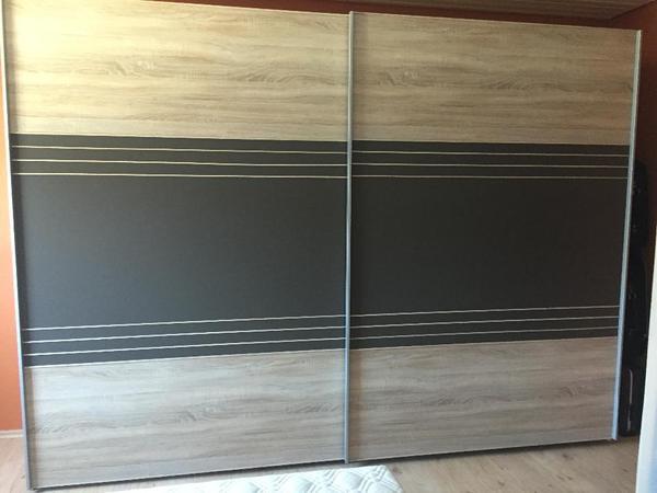 Hochwertiges Schlafzimmer mit Schwebetürenschrank (3m), Bett mit ...