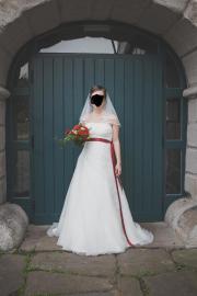 Hochzeitskleid schlicht und