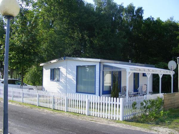 holland chalet in hoek oostappen vakantiepark marina. Black Bedroom Furniture Sets. Home Design Ideas