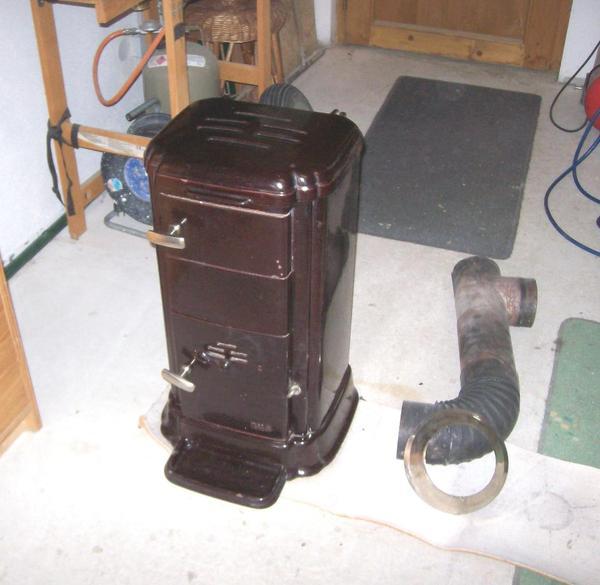 holz u kohleofen rotbraun emailliert in dachau fen heizung klimager te kaufen und. Black Bedroom Furniture Sets. Home Design Ideas