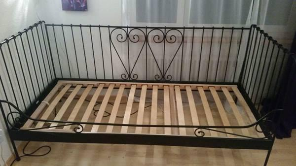 ikea tagesbett kaufen gebraucht und g nstig. Black Bedroom Furniture Sets. Home Design Ideas