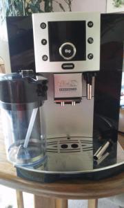 Kaffeevollautomat DeLonghi Perfecta