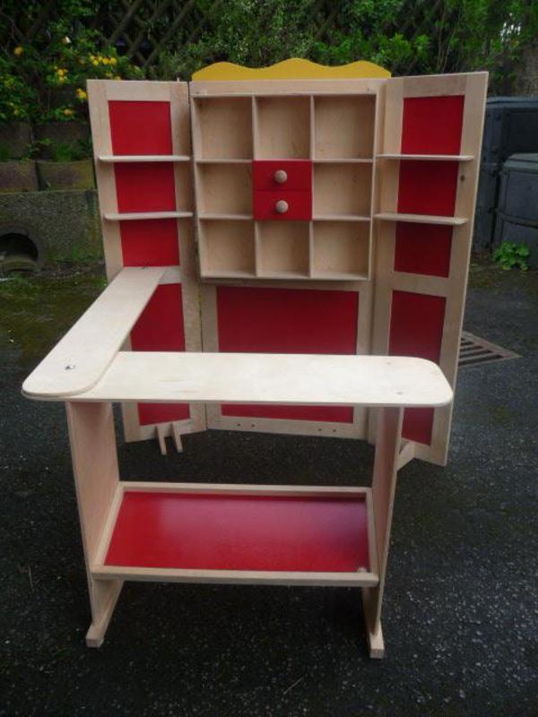 Kaufladen Holz Massiv Gebraucht ~ Schöner, großer Kaufmannsladen aus Furnierholz, natur  rot mit viel