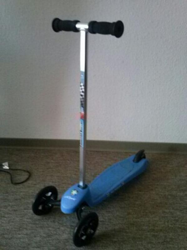 kickboard tretroller kinderfahrzeuge aus bergheim zieverich. Black Bedroom Furniture Sets. Home Design Ideas