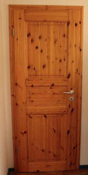 Kiefernholz-Türen