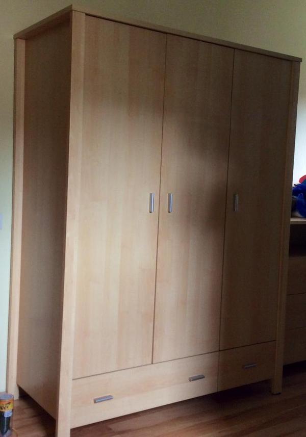 kleiderschrank ahorn neu und gebraucht kaufen bei. Black Bedroom Furniture Sets. Home Design Ideas