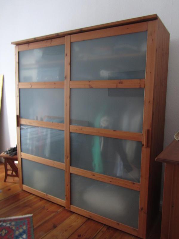 kleiderschrank naturholz in berlin schr nke sonstige schlafzimmerm bel kaufen und verkaufen. Black Bedroom Furniture Sets. Home Design Ideas